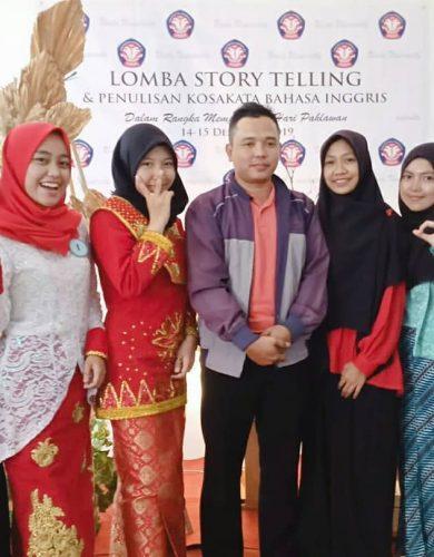 Lomba story telling dan penulisan kosakata bahasa inggris